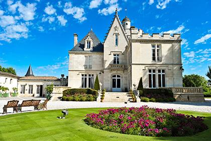 Château Pape Clément Grand Cru Classé de Graves et Propriété de Bernard Magrez