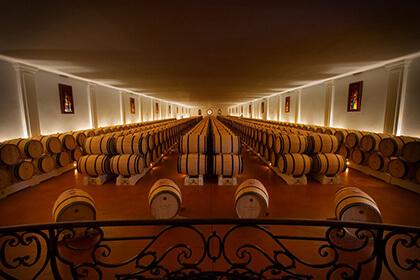 Chai d'élevage du Château Pape Clément - Grand Cru Classé de Graves à Bordeaux